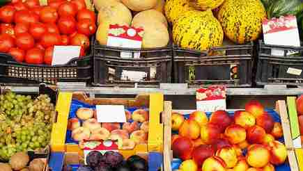 tile_greengrocercustomers_1320x440d242_tile_final_final
